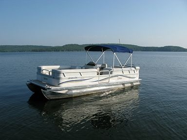 Hand Cove Resort Boat Rentals on Lake Norfork Lake